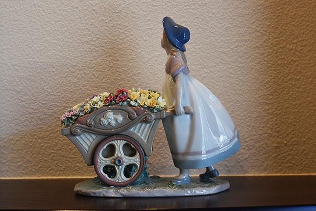 LLADRO リヤドロ 6521 可愛いお花屋さんを買取させて頂きました。3
