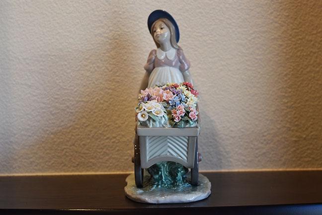 LLADRO リヤドロ 6521 可愛いお花屋さんを買取させて頂きました。4